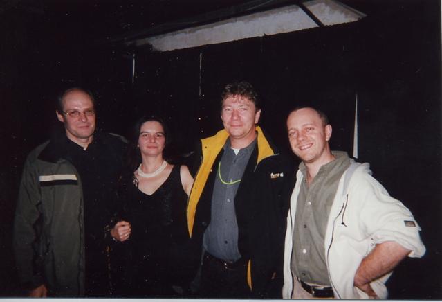 FrancoFête 2000 : Luc Sotiras en compagnie de Christian Bordatier (Wagram Music), la gérante d'artistes Carole Chouinard et Pascal Auclair (OVNI Prod)
