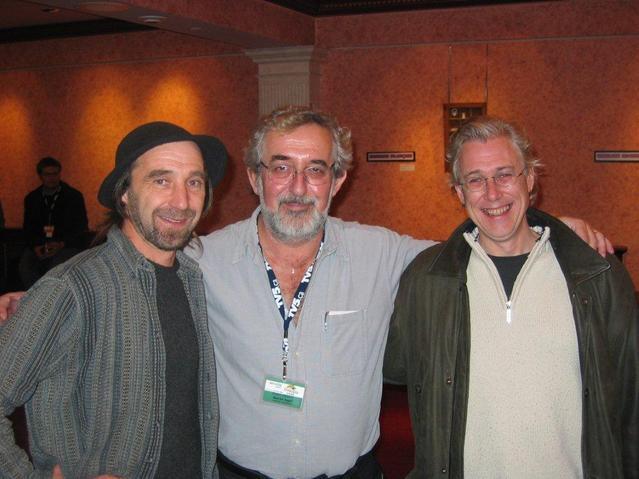 FrancoFête de Moncton en 2004 : Maurice Segall en compagnie des chanteurs Gary Gallant, de l'Ile-du-Prince Edouard et Pierre Robichaud, artiste acadien établi à Montréal