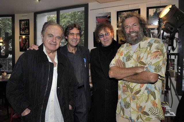 De gauche à droite, Guy Béart, Fred Hidalgo, Alain Souchon et le chanteur Antoine